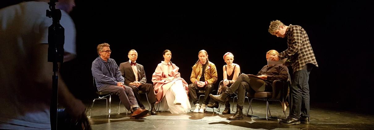 v.li.n.re: Stuart Boreman, Michael Krause, Balbina, Romano, ich, Jens Balzer, Regisseur Paul Kelly